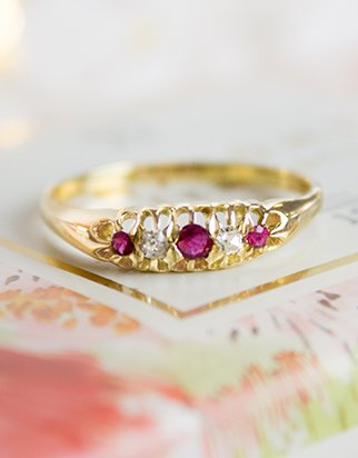 Vintage yellow gold ring with rubies and diamonds