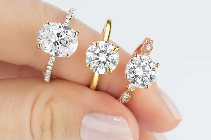 Distinctive diamond engagement rings in yellow gold, rose gold, and white gold